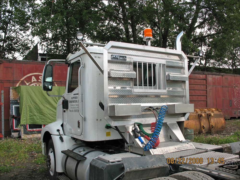 Semi Truck Fabrication and Welding Service